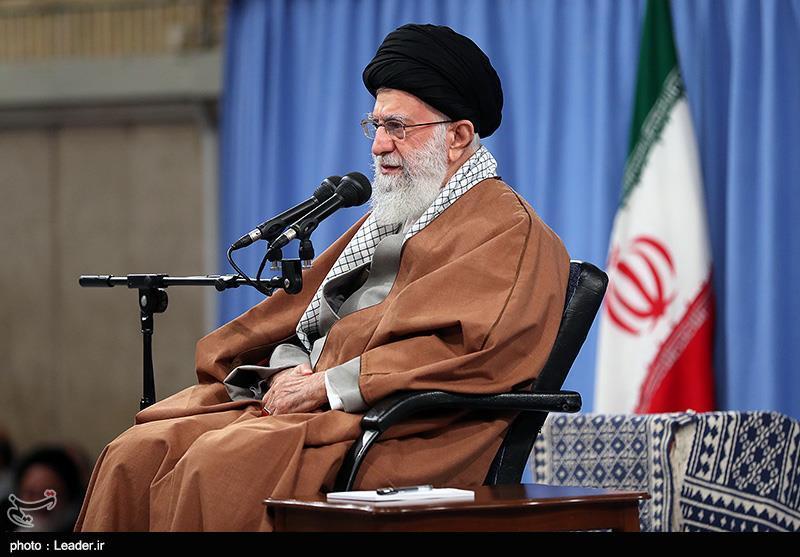 حکومت اسلامی در ذهنها و خاطرهها به شکل خلافتهای موروثی به یادگار مانده بود